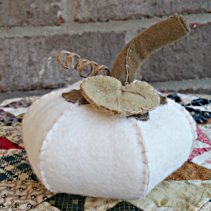 Wool Felt Pumpkin- A Tutorial