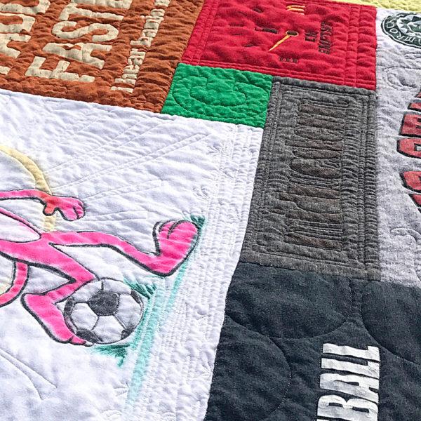Custom details t-shirt quilt